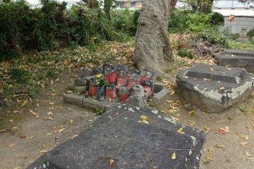 Remaining foundation stones of the Yakushi temple hall