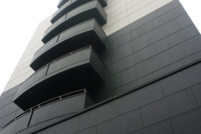 โรงแรมแกรนด์ คอร์ท ซึ นิชิ