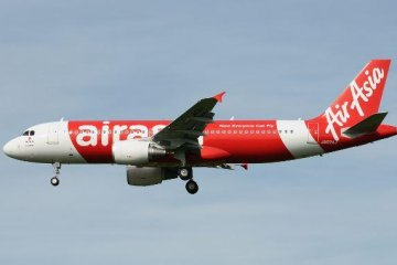 降落中的亚航日本A320