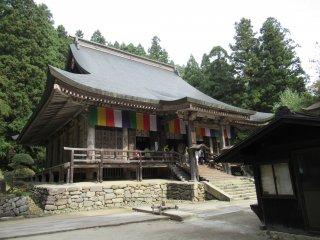 Храм у подножия