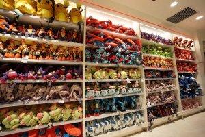 Pokemon Mega Center bày bán rất nhiều loại mặt hàng liên quan tới Pokemon (sổ, bút viết, cặp sách, ốp điện thoại và nhiều nhiều thứ khác), trong đó nổi bật nhất là các sản phẩm thú nhồi bông phong phú màu sắc và đa dạng về chủng loại