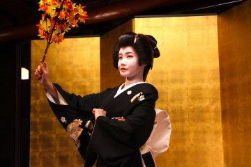 Geisha evenings in Kanazawa held at the historic Kaikaro teahouse