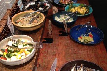 <p>อาหารมากมาย</p>