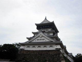 城下町の小倉は、九州各地を訪れる出発地点の役割を果たしている
