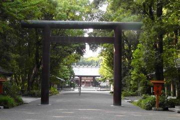 The second gateway of the Miyazaki Shrine