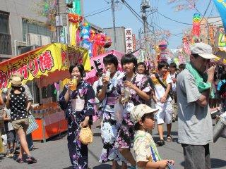 Des filles en yukata
