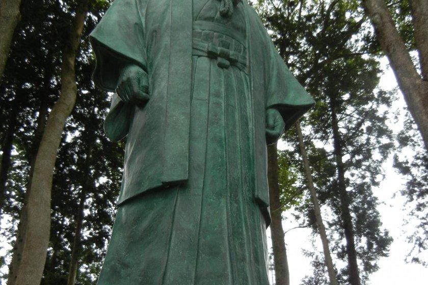 Bức tượng Ueshiba Morihei ở Đền Aiki