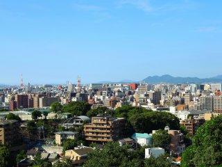 Vista de Fukuoka a partir da torre do jardim