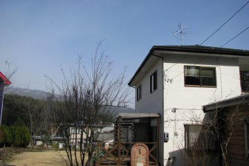 Дом Кими и Мицуру