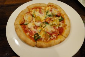Jyagaya vegetable pizza