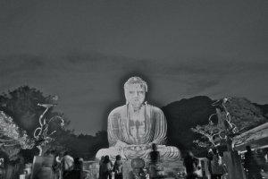 B&W photo of Daibutsu light-up (Slightly retouched)