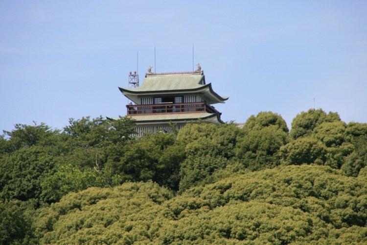 Komaki Castle atop 86 meter high Mt. Komaki