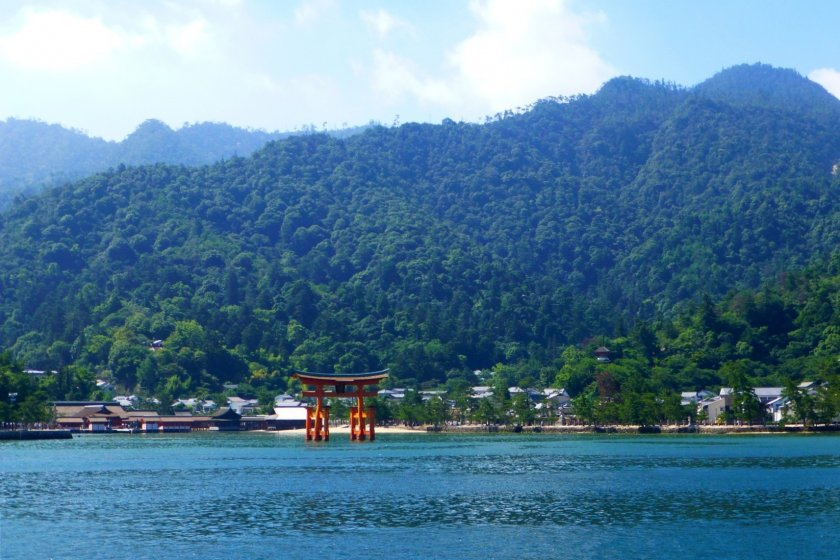 From the right side of the JR ferry to Miyajima you get an excellent view of the torii gate