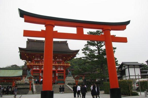 Вход в Фушими Инари