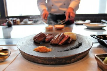 Steak House Genpei presents high-quality organic food for the best meal.