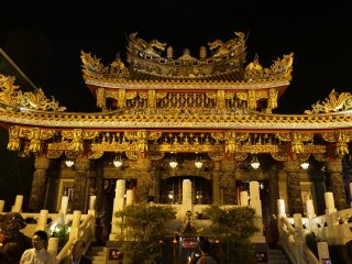 Kanteibyo, a Chinese temple standing gracefully in the heart of Yokohama Chinatown