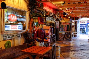 American themed restaurants and cafes create a really cool atmosphere within Depot Island