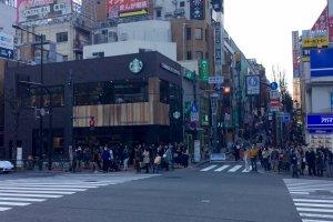 Starbucks Kagurazaka Shita