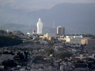 Spying out a Kannon statue