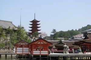 Despite rebuilds, Itsukushima Shrine now retains its original form