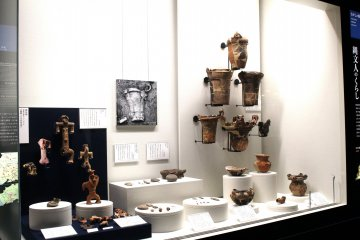 The display of ancient pottery