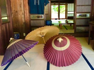 "Oil-paper umbrellas belonging to the ""Kawano Shoten"" wholesale store dating back almost 100 years"