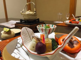 An autumn kaiseki meal saw this lovely persimmon dishware being used alongside plenty of seasonal ingredients