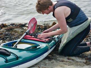 Chèo thuyền kayaking trên biển thì khá phổ biến ở đây
