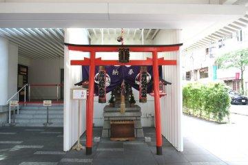 A small shrine near Kabukiza