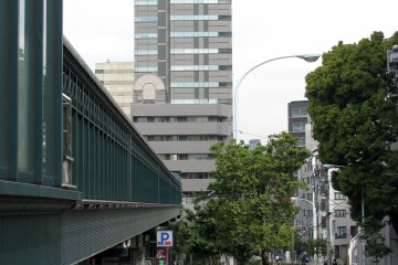 The way to JR Ebisu Station - covered passage on the left