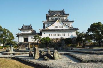 Замок Кисивада и сад