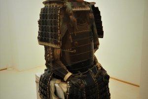 展示中的武士盔甲