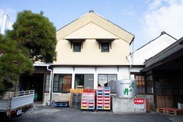 Outside the Tsukinoi Shuzoten factory