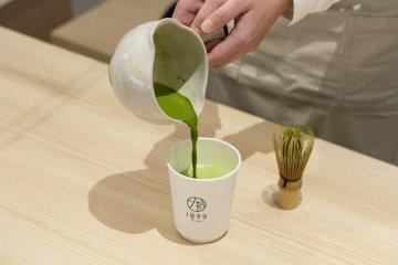Making of 'Rich Matcha Latte'