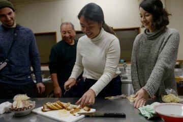 Learning How to Make Kitakata Ramen