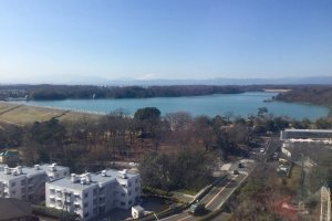 View of the lake and Mt. Fuji from the ferris wheel.