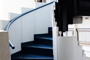 <p>Contraste de azul y blanco</p>