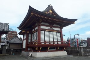 Temple structure at Haneda Shrine