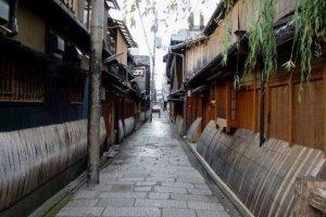古时的花妓一条街