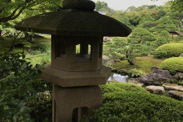 Lantern in Yushi garden
