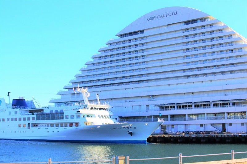 The Oriental Hotel and Luminous Kobe 2