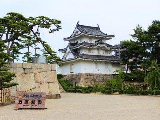 Takamatsu Castle ruins and Tamamo Park
