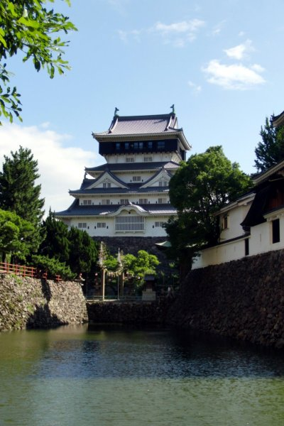 Kokura Castle from across the moat