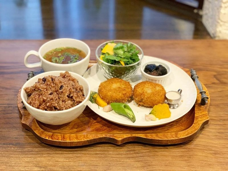 Chickpea croquette meal set