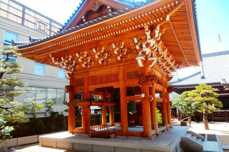 วัดเซ็น อังโคะคุจิในเมืองฟุคุโอะกะ