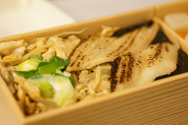 Tokyo\'s Fukagawa meshi, clams on a bed of rice