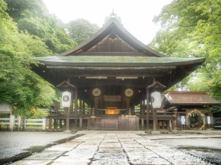 The main shrine, which was built to pray for the enshrined soul of Prince Morinaga. Please note that for a 300 yen entrance fee, visitors can see the cave in which, this Prince was imprisoned (and later executive) in