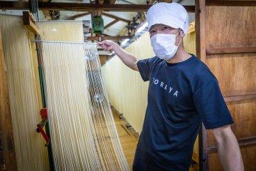 Visit Toraya's udon factory