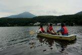 วันที่คลื่นลมสงบที่ทะเลสาบ Shirakaba