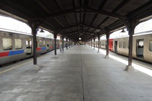 Mojiko Station platform